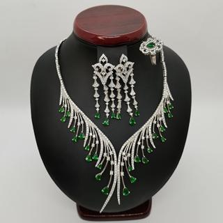 صورة Ladies Silver Half Set 25.39g with Emerald and zircons.