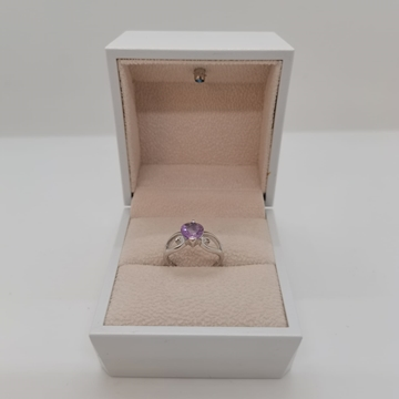 Picture of 2.19g silver ring with amethyst stone