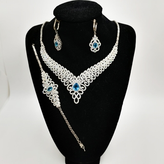 Picture of Ladies Silver Half Set 20.12g with Blue Topaz